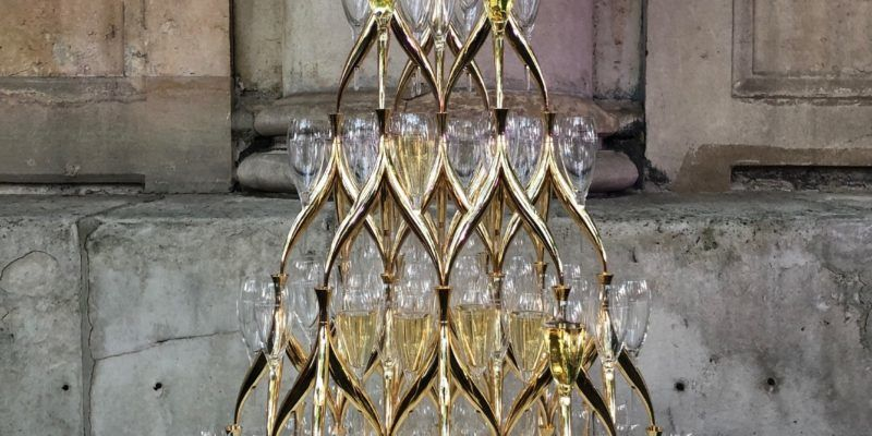 champagne-tower-moet