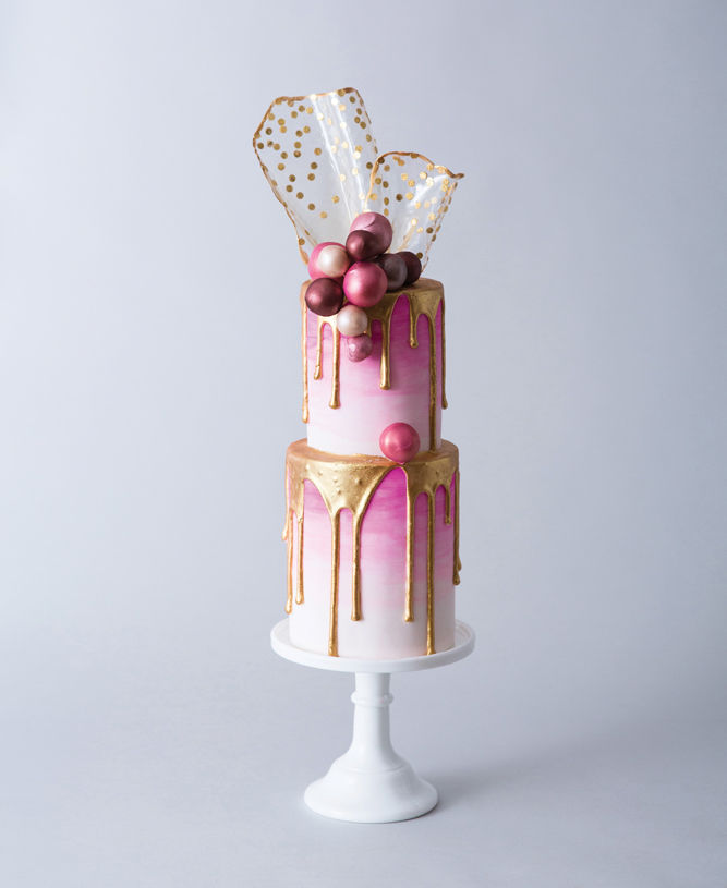 Faye Cahill Wedding Cake | Luxury Wedding Trends 2019 | Beyond Weddings